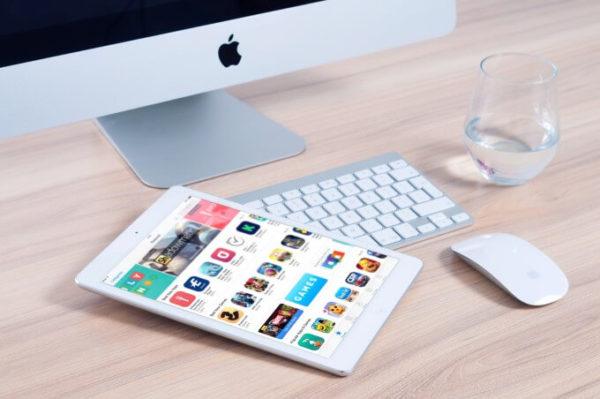 アプリが表示されたiPad